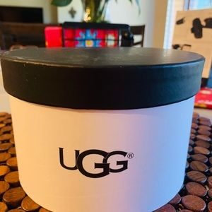Ugg winter accessories for ears NWT